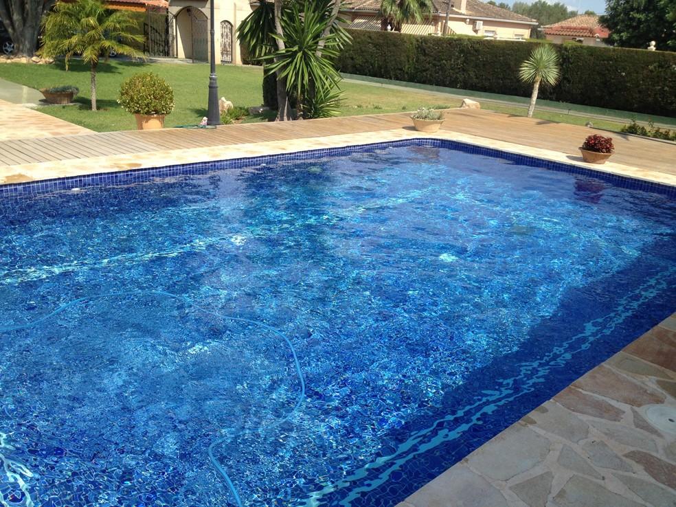 Coronas de piscinas coronaciones de terrazas piscinas - Terrazas de piscinas ...
