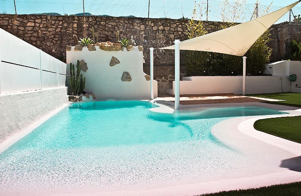 Piscina arenas tropicales construcci n piscinas valencia for Construccion piscinas valencia