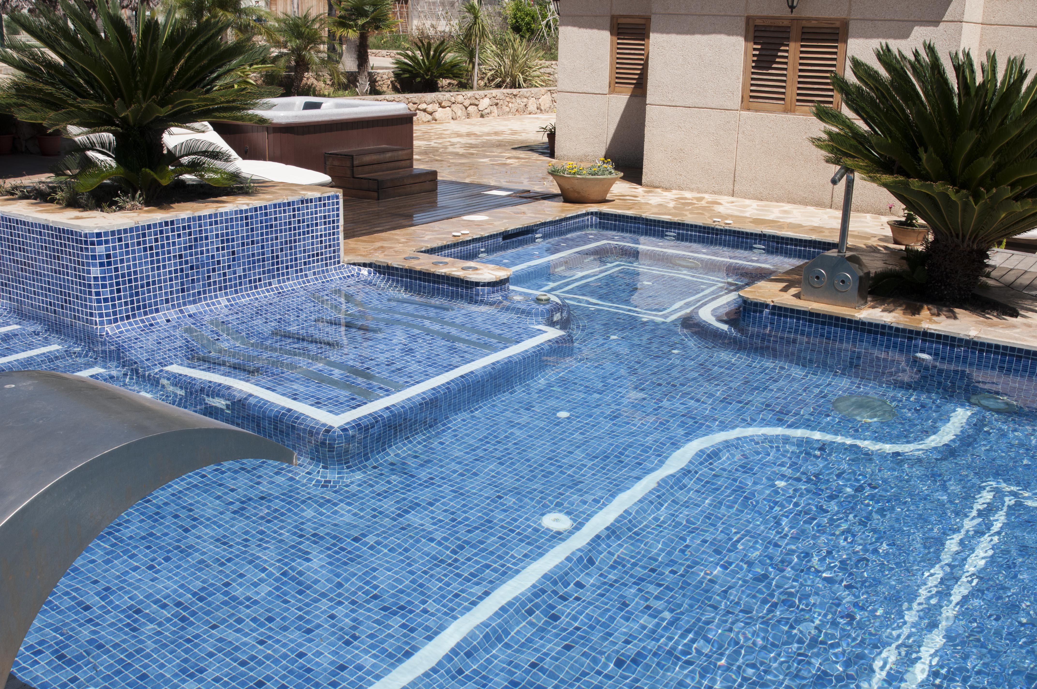 Qu revestimiento elijo para mi piscina piscinas - Gresite piscinas colores ...