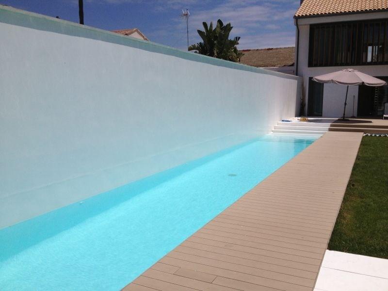 Qu revestimiento elijo para mi piscina piscinas for Piscinas con gresite blanco